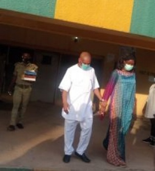 Orji Uzor Kalu Finally Regains Freedom, Walks Out Of  Kuje Prison