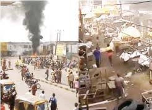 One Dead, Police Station Set Ablaze As Warders, Motorcyclists Clash In Ibadan