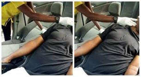 Panic As Man Is Found Dead In His Car In Magodo, Lagos