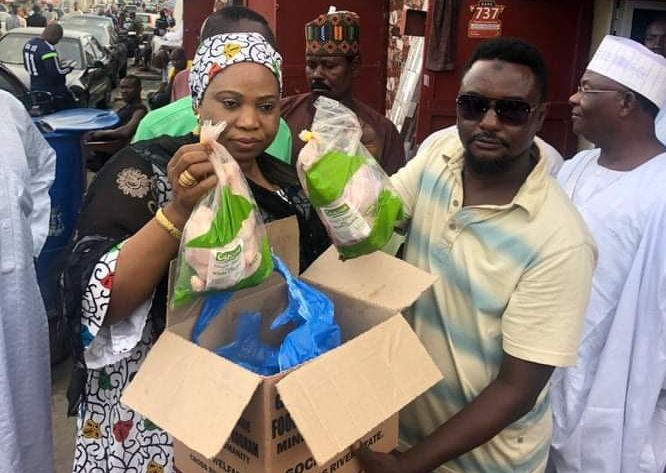 Ayade Reaches Out To Moslem Community During Eid Eil-Fitr, Shares Gift Items
