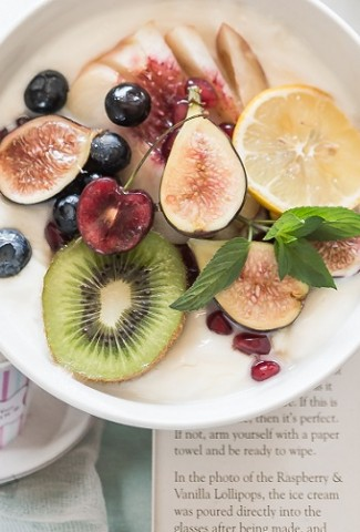 Improve your health through your tummy! Probiotics provide amazing benefits and ways to improve your health by improving your gut health.