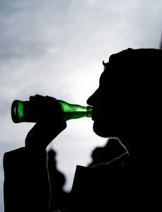 Drinking alcohol can damage the liver, but taking cannabis makes this less likely. Photo: Matthias Ripp
