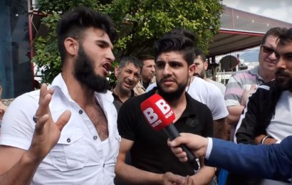 """Suriyeli """"Türkler Çok Şerefsiz Türkiye'de Kafa Kesecem Şimdi"""""""