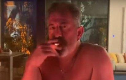 Cem Yılmaz'dan İçkili Sigaralı Paylaşım!