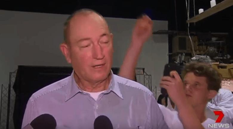 Avustralyalı Senatör Fraser Anning'e Yumurtalı Protesto
