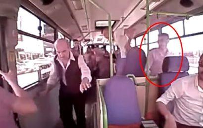 Halk Otobüsün'de İnanılmaz Kan Donduran Olay! Ölüme Atlayış