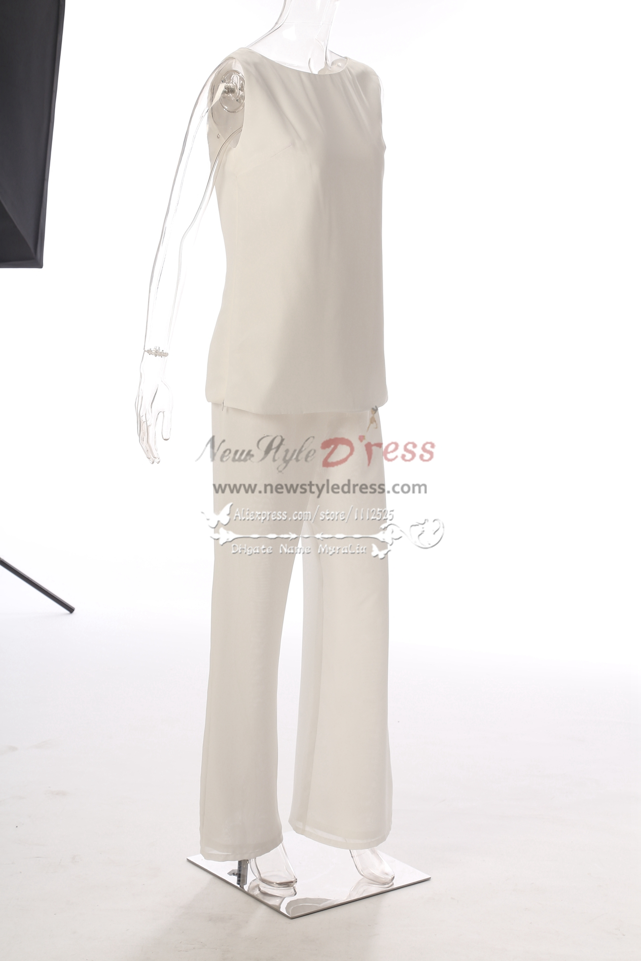 Elegant Ivory Lace Mother of the bride pant suits with