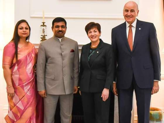 Muktesh Pardeshi & his wife are seen with Gov-Gen of NZ,dame patsy & her husband