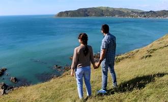 Left-behind NZers losing hope as govt helps 1500 to return