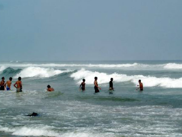 Six Persons Missing For At Yarada Beach In Visakhapatnam