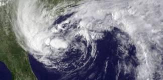intensify gaja cyclone red alert andhra pradesh and tamil nadu