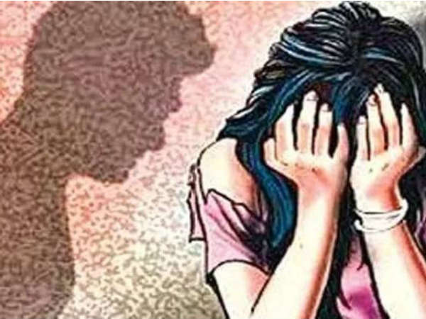 man cheated to minor girl with name of pretext of marraige