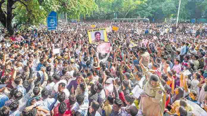 delhi-police-protest