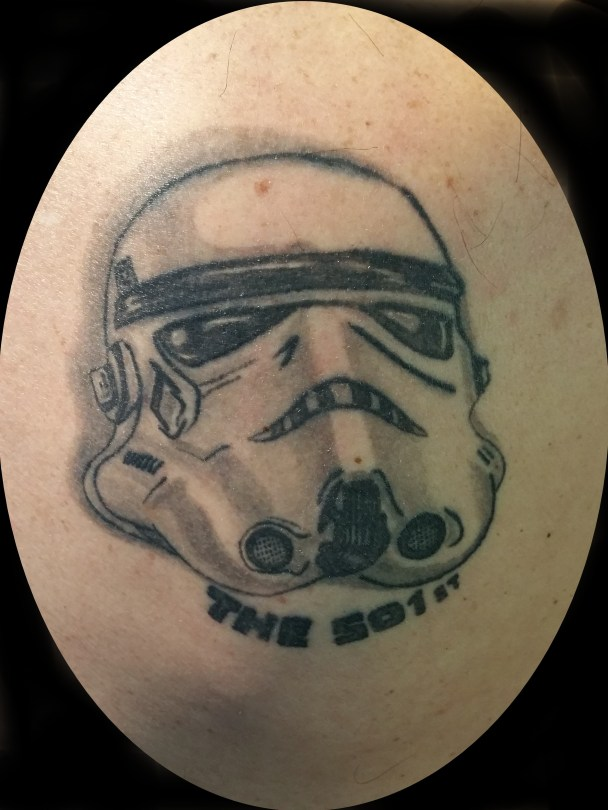 Stormtrooper tattoo (after healing) - Tatouage Stormtrooper (après cicatrisation)