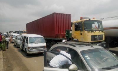 Gridlock on Lagos-Ibadan Expressway