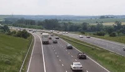 FG moves to ban trucks on Lagos/Ibadan highway