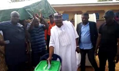 Kogi/Bayelsa decide: Thugs disrupt polling in Ayingba, as journalists' vehicle pelted with stones