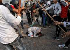 India: Death toll rises as violence continues for third day in Delhi