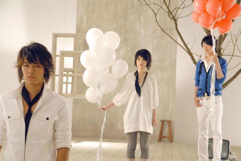 謝謝你的溫柔(2007年S.H.E&飛輪海演唱歌曲):創作背景,歌曲歌詞,歌曲鑑賞_中文百科全書