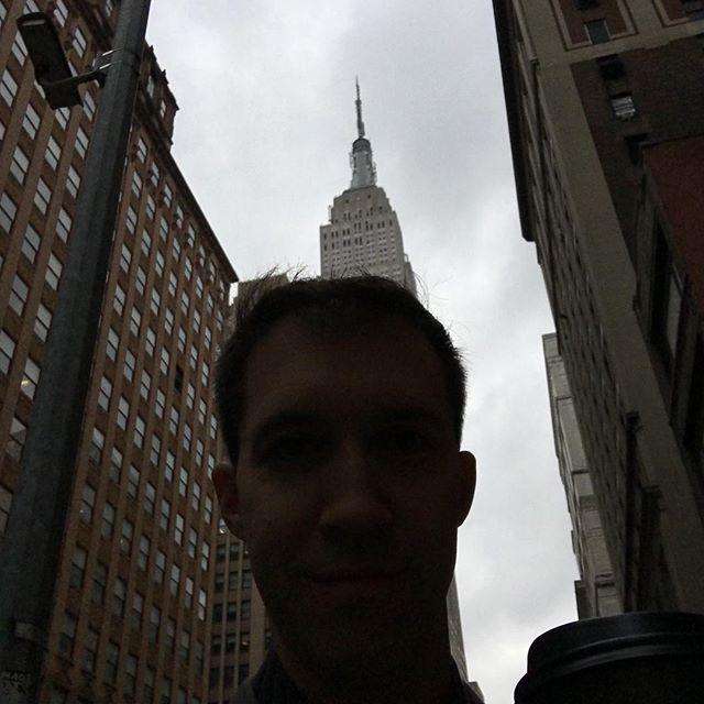 Empire State of Mind today. #EmpireStateonmyHead #EmpireStateHappyFriday #LoveNYC #newyorkcomputerhelp
