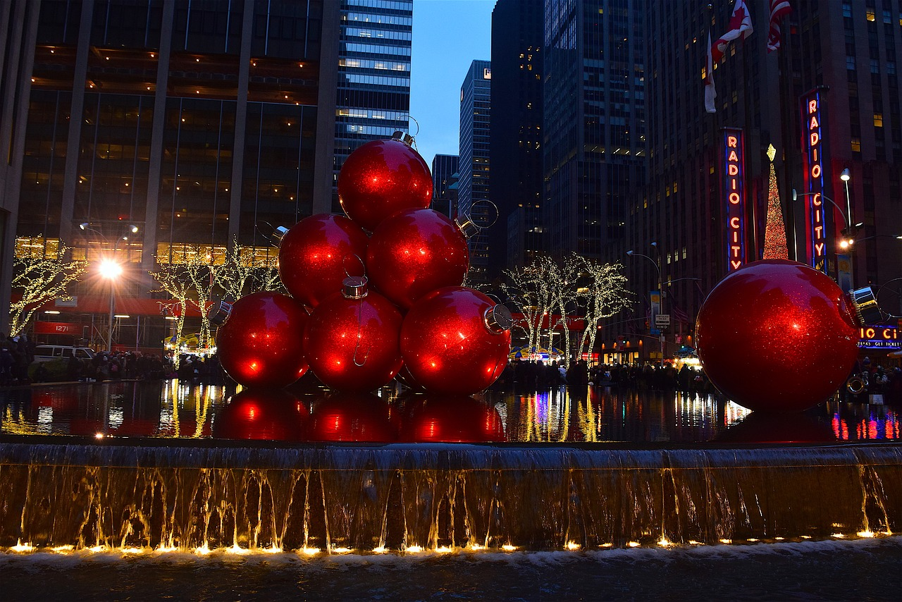 Best Time to Visit New York - Christmas in NYC - New Yorker Tips