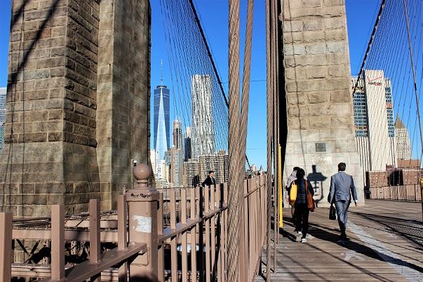 Business_Man_Brooklyn_Bridge_blog