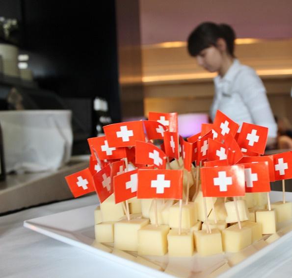 Swiss_Cheese_blogg_1