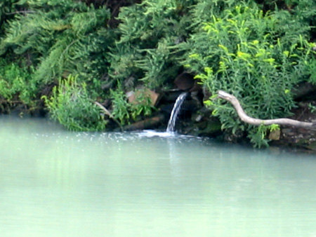 Flowing Pipe