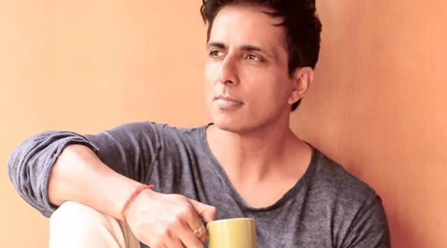 Over 400 Migrant families affected due to COVID lockdown will have financial support by Sonu Sood