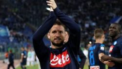 Mertens keeps Napoli top of Serie A, as Lazio hit five