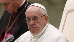 Foreign Titbits: Pope Warns Nuns on Use of Social Media
