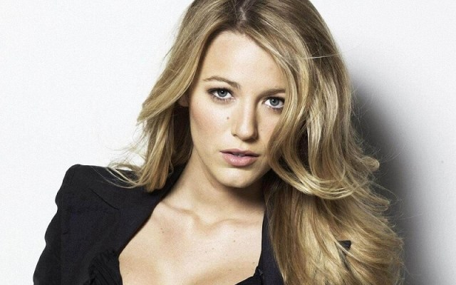 Blake Lively - Sexy Hollywood Actoress