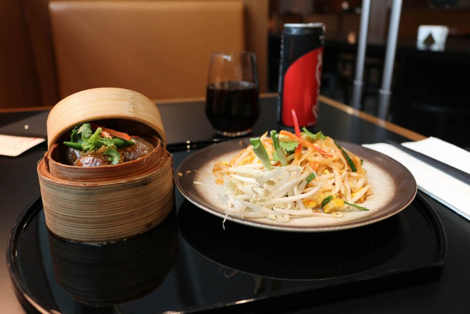 Cathay Pacific Business Class lounge at Bangkok airport - Noodle Bar dishes