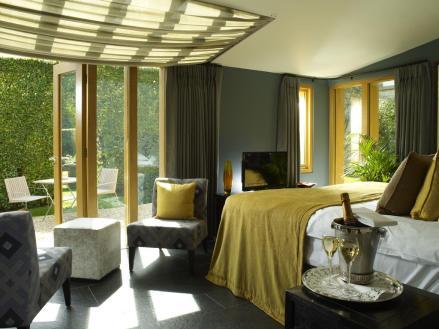 Homewood Park Hotel room