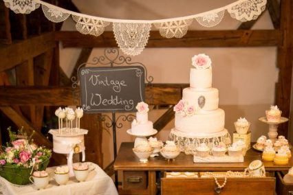 Sweet Table Vintage © Aust Photography