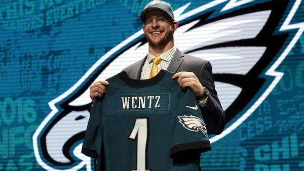 Wentz has Eagles soaring