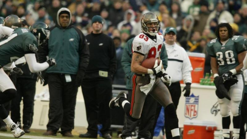 Bucs Clip Eagles' Wings in 2002 NFC Championship Game