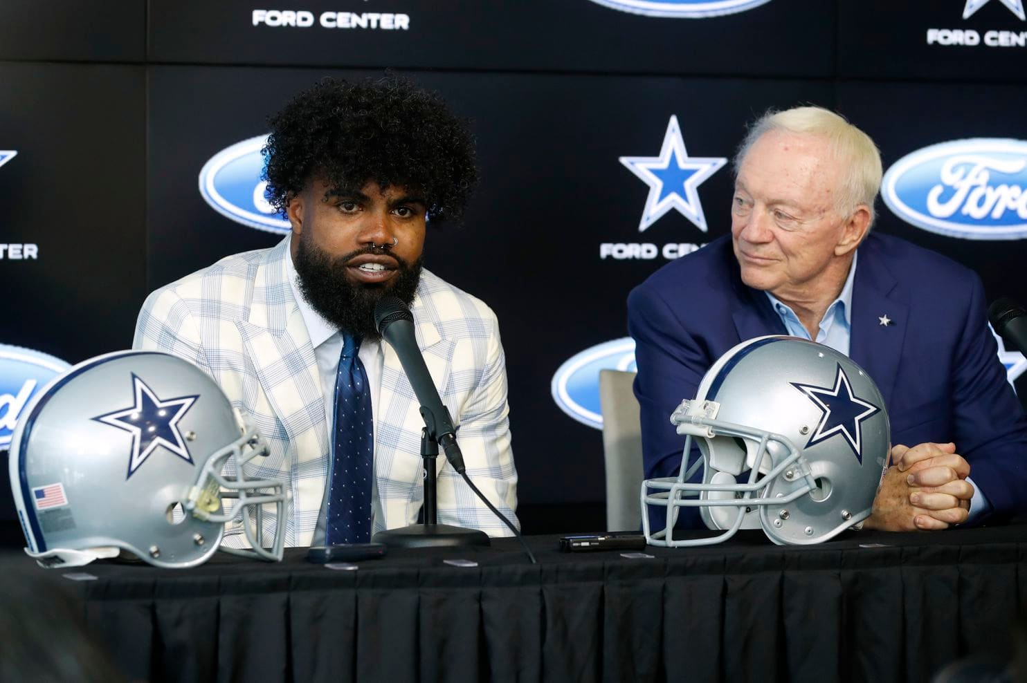 Ezekiel Elliott: A Historic Contract