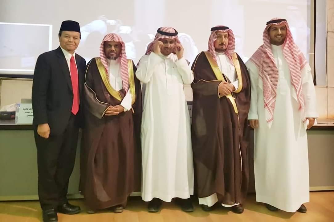 Jadi Penguji Program Doktoral di Arab Saudi, Hidayat Nur Wahid Bikin Bangga Indonesia