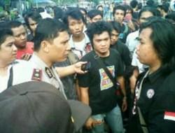 Nekat Sandera Mobil, Demo Mahasiswa Jakarta Lebih Tegang