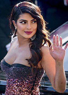 """هل النجمة الهندية """"بريانكا شوبرا"""" أصبحت بالفعل خادمة بالسعودية؟ 1 24/11/2020 - 4:51 م"""