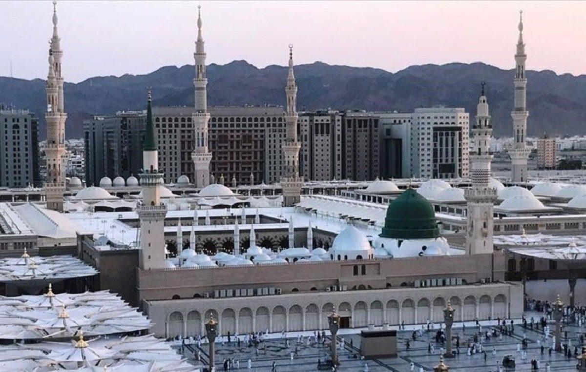 السعودية تقوم بإغلاق 10 مساجد مؤقتاً