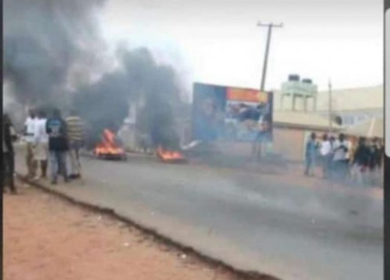Suspected Yahoo Boys protest in Osun over incessant arrest
