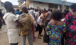 Occupants of govt complex in Osogbo stage protest accuse IBEDC of tampering with electricity transformer