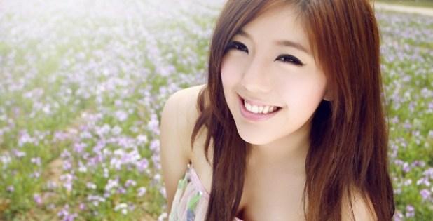 131022wallpaper-girl-xinh-nu-cuoi-rang-ro