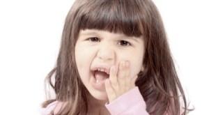 Những lưu ý khi trẻ mọc răng hàm