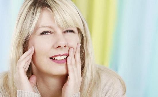 Bọc răng sứ có ảnh hưởng gì không
