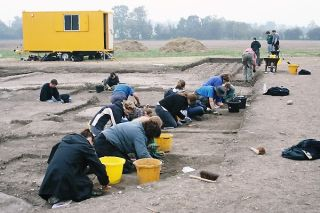 Excavating at the site of the discovery of the temple treasure of the goddess Senuna in 2006