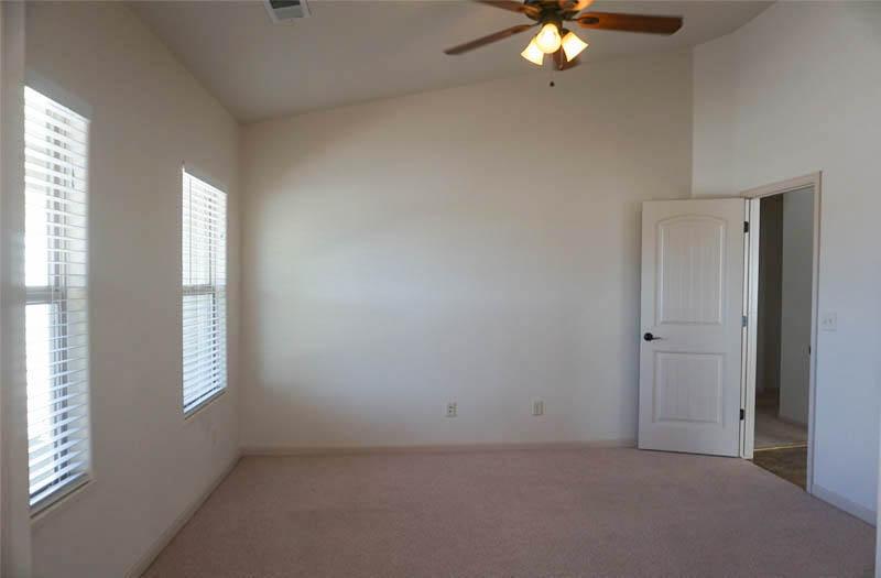2992 Golden Hawk's office/4th bedroom