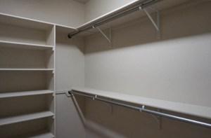 Walk-in closet in 170 Night Hawk